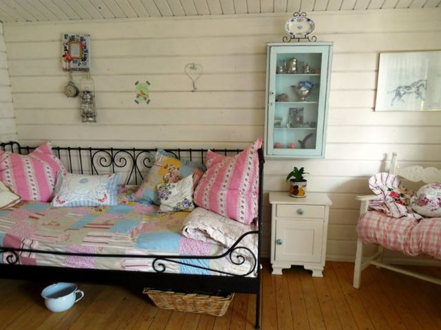 https://www.snackondesign.com/wp-content/uploads/2019/05/she-sheds-640x480.jpg